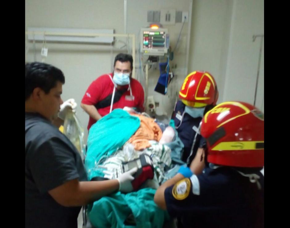 Las cuatro pacientes tienen posibilidades de sobrevivir en las próximas 48 horas. (Foto: Bomberos Municipales)