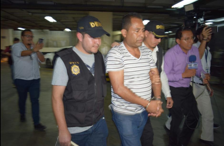 Por tres delitos el MP capturó a los exfuncionarios. (Foto: PNC)