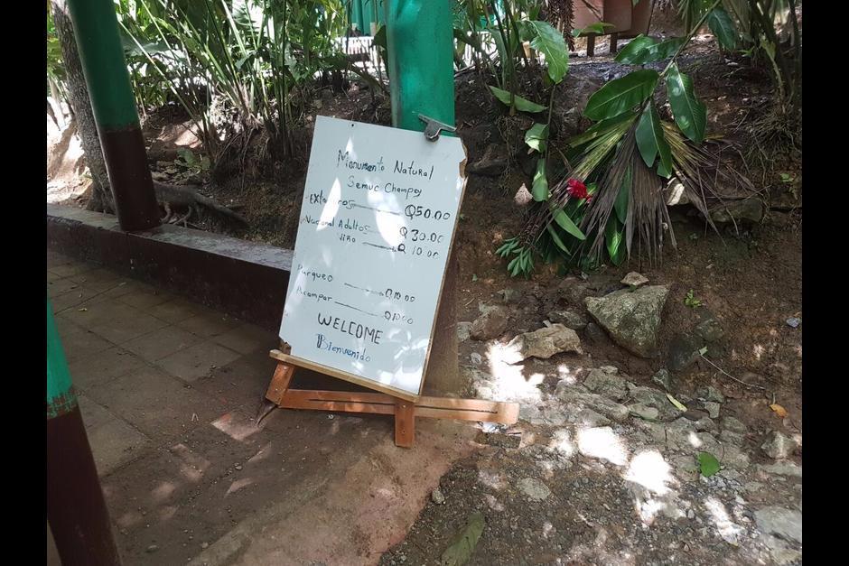 Estos son los precios que le cobraban a los visitantes al monumento. (Foto: Conap)