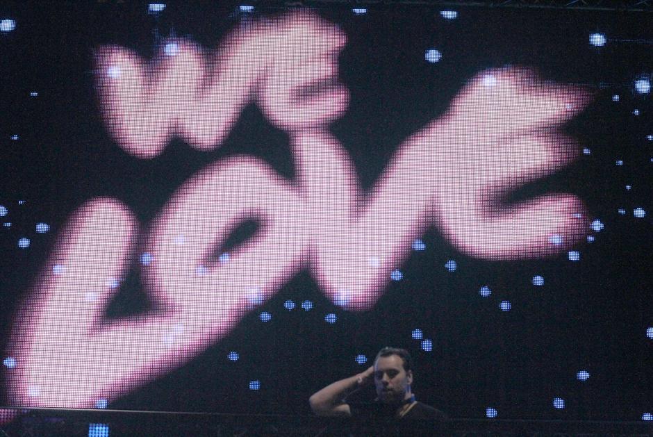 Sebastian Ingrosso en acción. (Foto: Luis Barrios/Soy502)