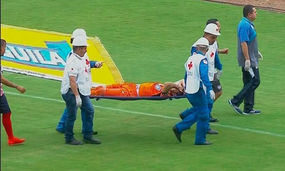 El portero fue el más afectado por el choque. (Foto: futbolete.com)