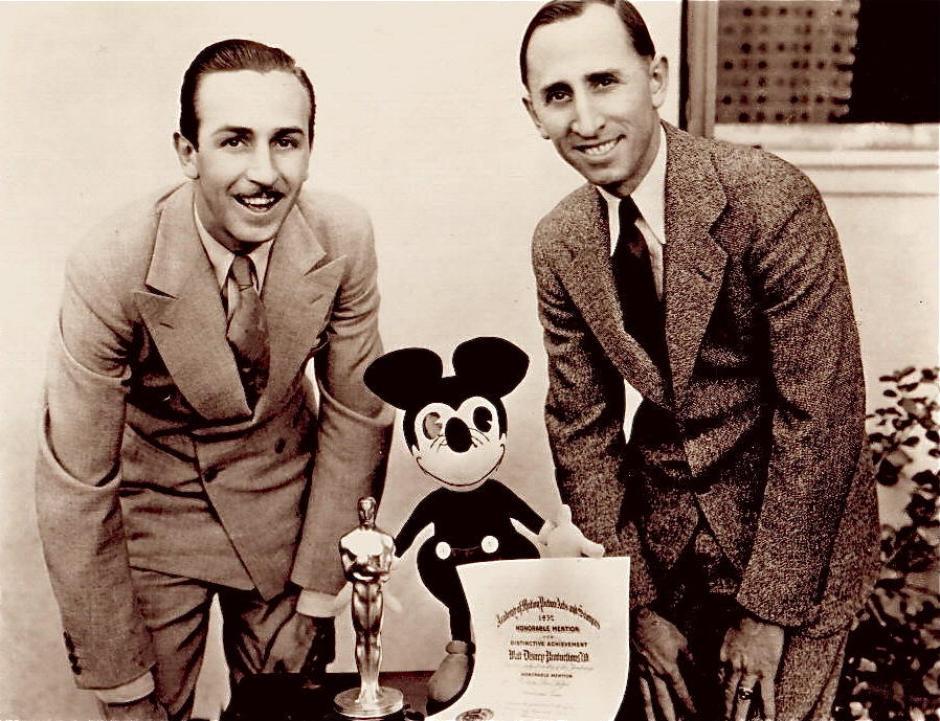 El éxito de los hermanos Disney los llevó a formar el conglomerado de medios más grande del mundo. (Foto: frontierlandstation.com)