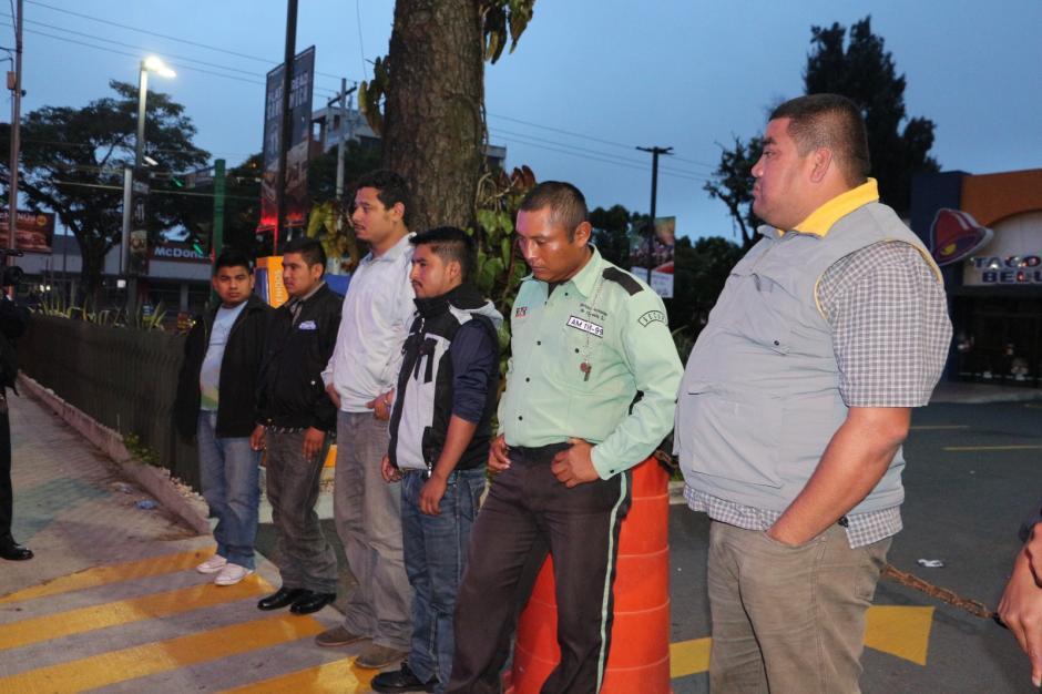 Seis hombres fueron capturados por un supuesto intento de secuestro. (Foto: PNC)