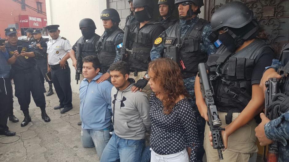 Una de las detenciones se realizó en la colonia Arrivillaga en la zona 5. (Foto: PNC)