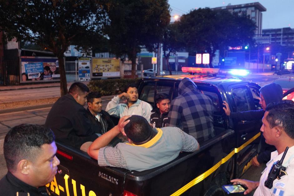 Aparentemente los hombres pretendían secuestrar al gerente de un restaurante. (Foto: PNC)