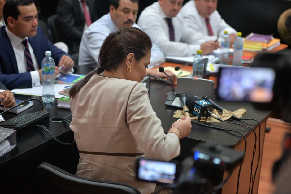 En el papelito que llevaba en su pantalón, tenía anotado su número de DPI. (Foto: Wilder López/Soy502)