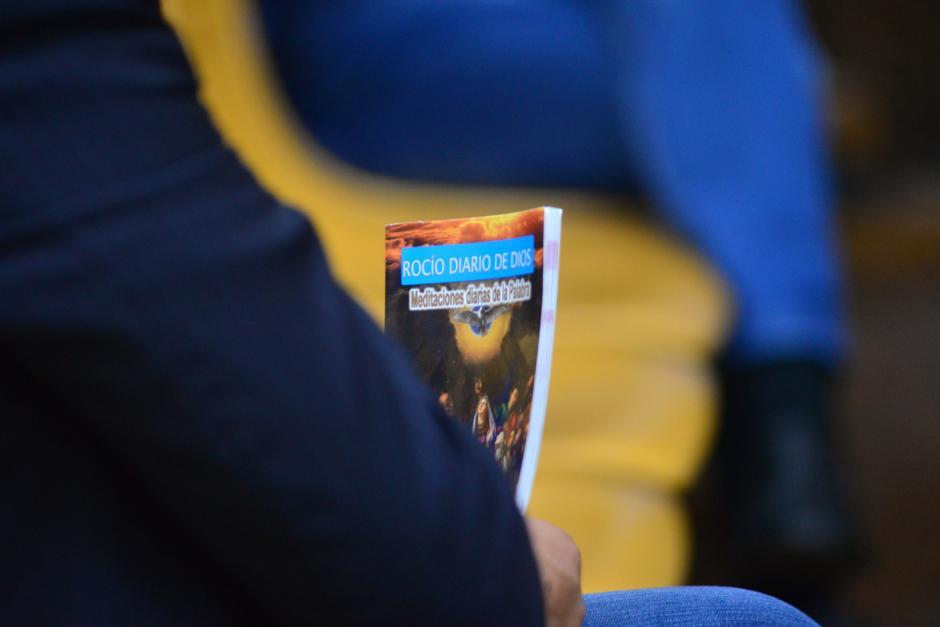 Algunos de los sindicados utilizan su tiempo para lecturas de guías religiosas. (Foto: Archivo/Soy502)