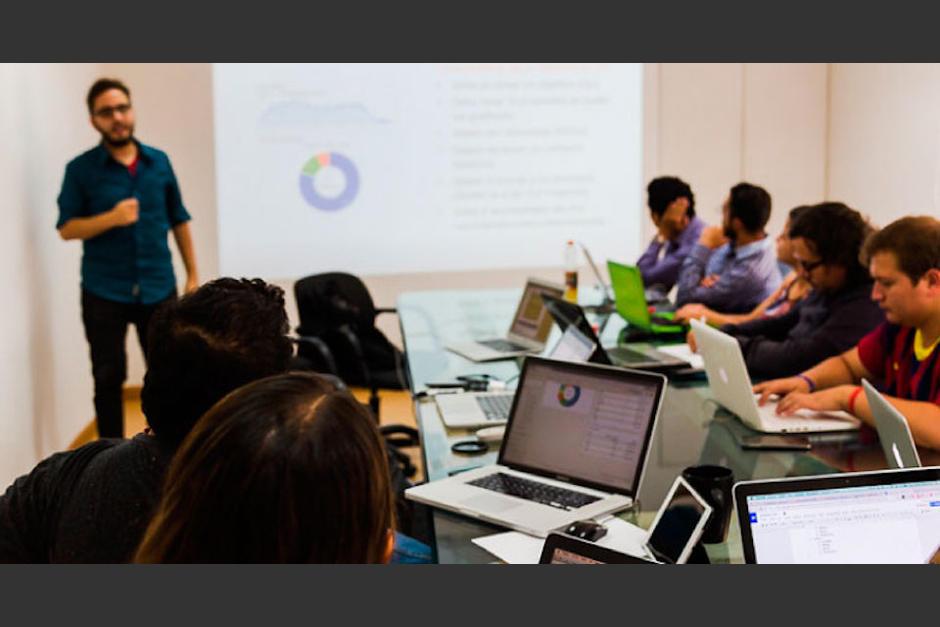 Los seis cursos online son avalados por la famosa empresa Google. (Foto: clasesdeperiodismo.com)