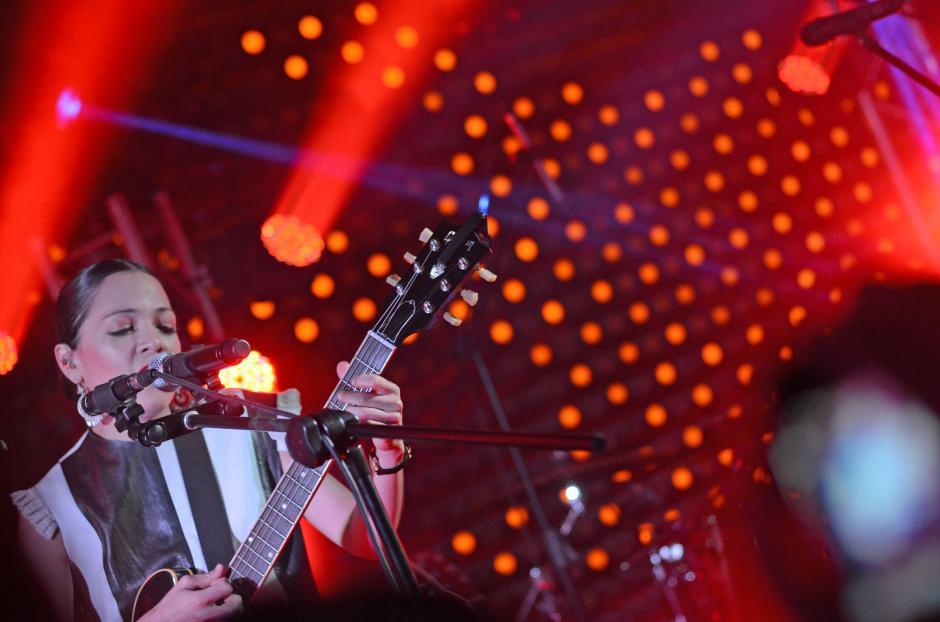 Natalia Lafourcade interpretó cerca de 25 éxitos inolvidables.(Foto: Esteban Biba/Soy502)