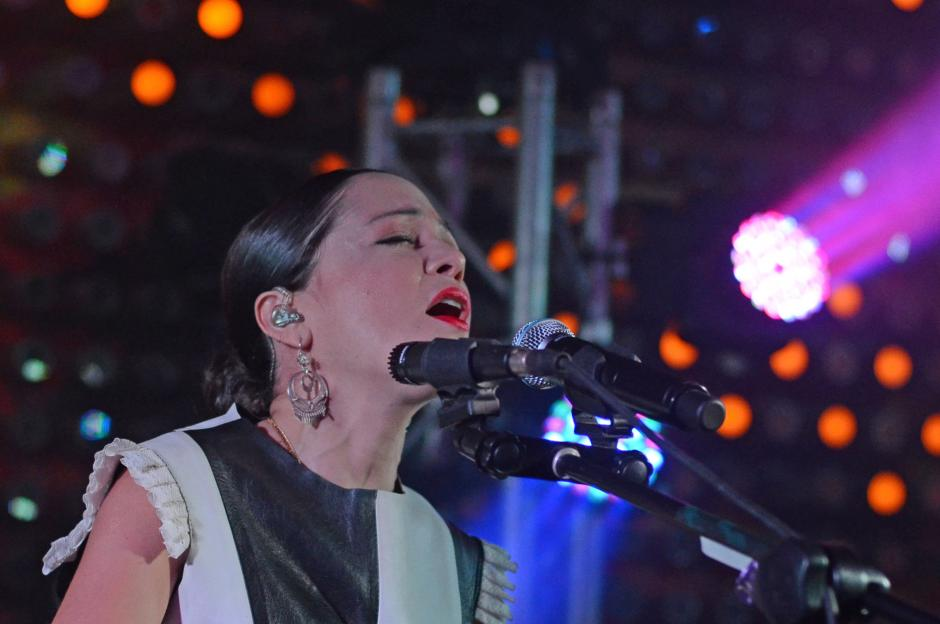 """Lafourcade interpretó los éxitos en su gira """"Mujer Divina"""".(Foto: Esteban Biba/Soy502)"""