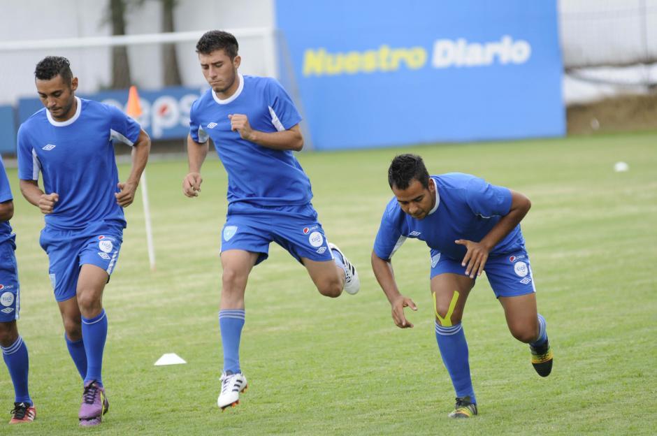 Wilson Pineda (al centro) es uno de los nuevos llamados de Walter Claverí. (Foto: Pedro Pablo Mijangos/Soy502)