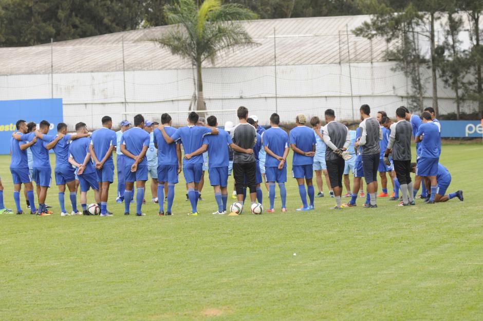 Antes de iniciar la práctica hubo una charla de unos 20 minutos. (Foto: Pedro Pablo Mijangos/Soy502)