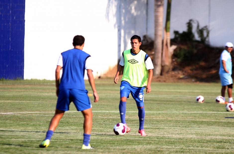 Jonathan López en la práctica de la Sele. (Foto: Luis Barrios/Soy502)