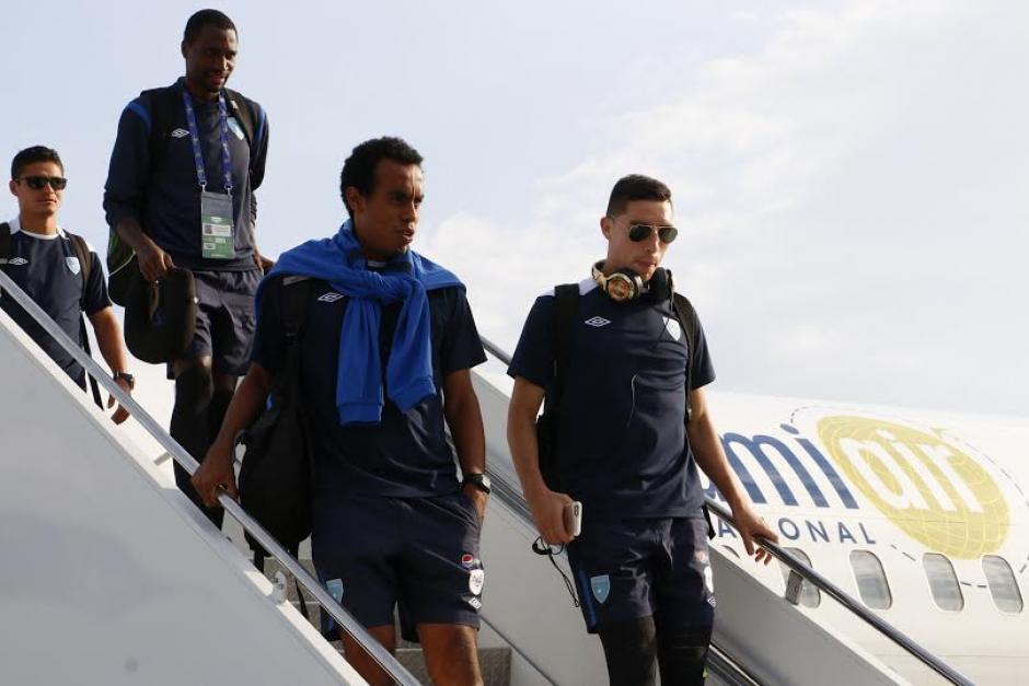 Los jugadores se movilizaron vía aérea para el juego que será este miércoles. (Foto: Gabriel Tiul/Enviado CDG)