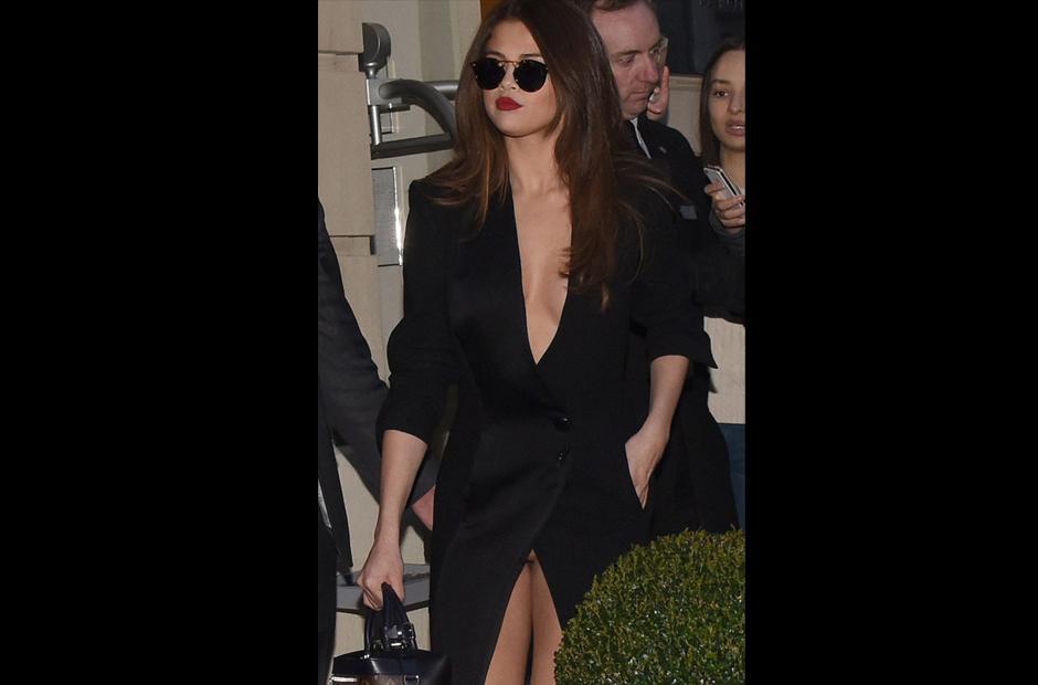 La imagen del vestido de Selena Gomez le ha dado la vuelta al mundo.  (Foto: Daily Mail)