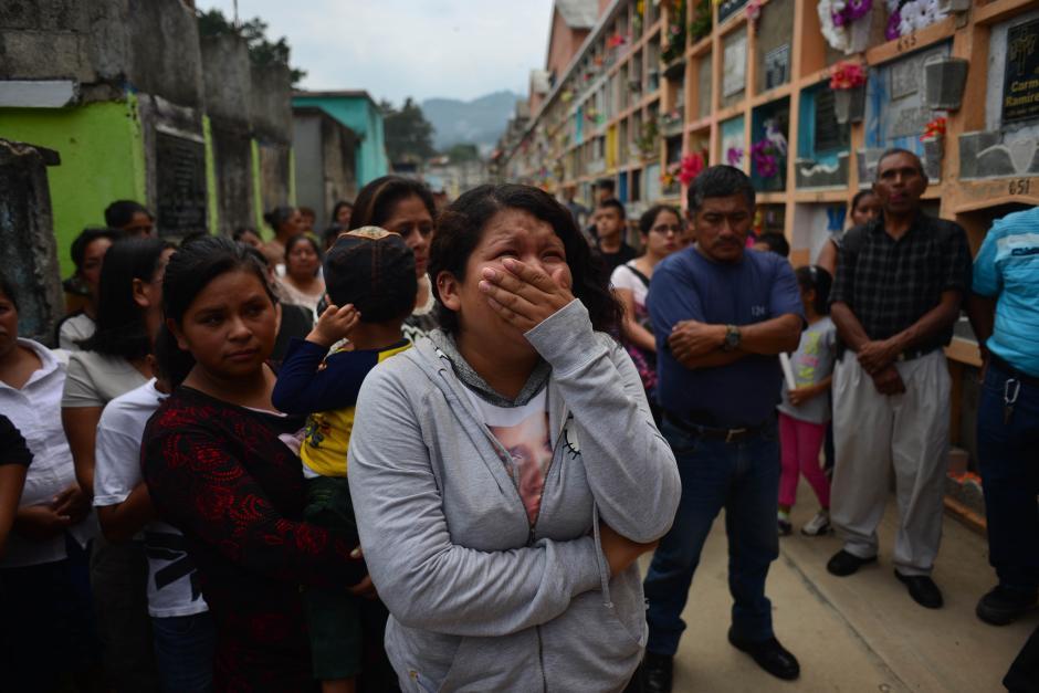 El dolor volvió a inundar las calles de Santa Catarina Pinula. (Foto: Jesús Alfonso/Soy502)