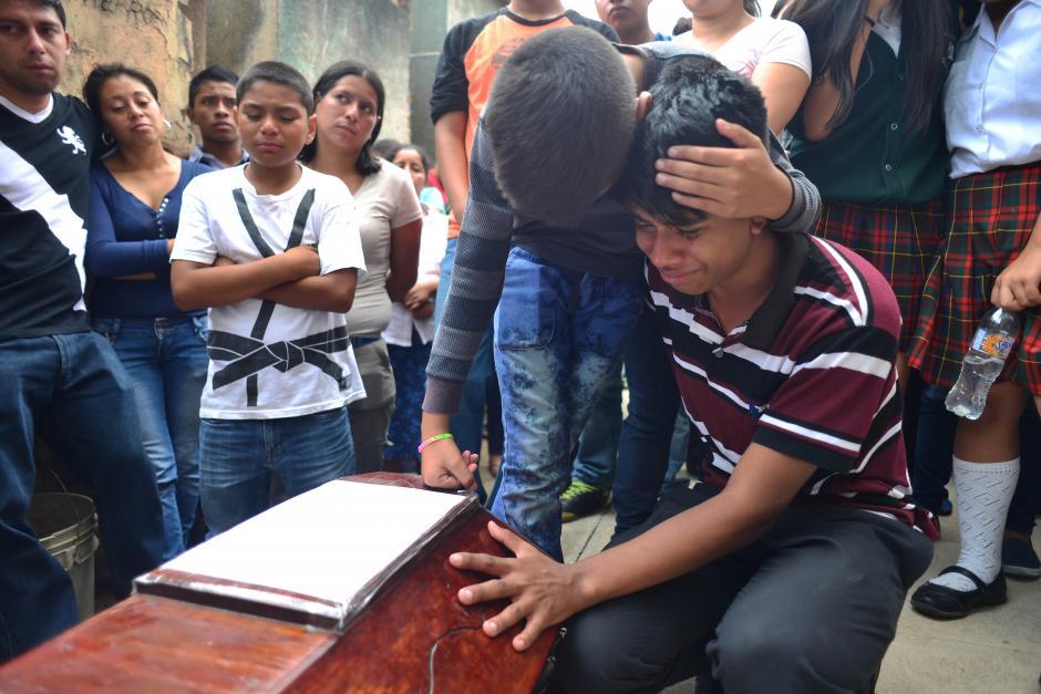A los familiares les tocó recordar el dolor de hace meses. (Foto: Jesús Alfonso/Soy502)