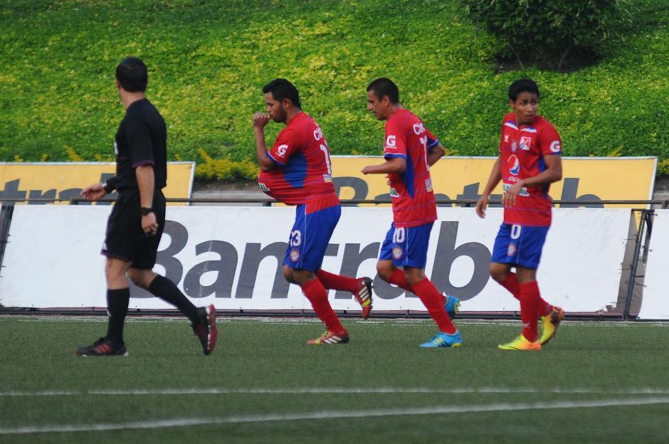 El esfuerzo Chivo cosechó frutos casi al finalizar el partido. (Foto: Nuestro Diario)