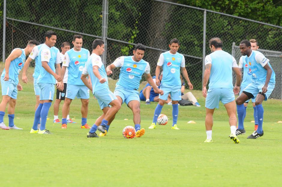 Los jugadores de la Bicolor en plena práctica en Charlotte, previo a enfrentarse a Cuba en la Copa Oro 2015. (Foto: Aldo Martínez/Nuestro Diario)