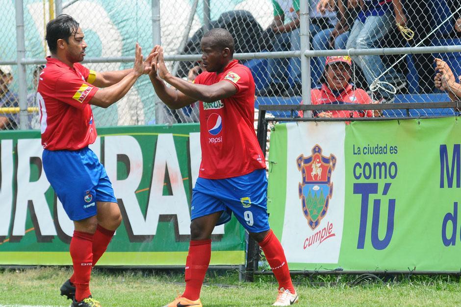 Un doblete de Darwin Oliva y uno más de Carlos Ruiz, le dieron a Municipal la victoria ante Suchitepéquez. (Foto: Nuestro Diario)