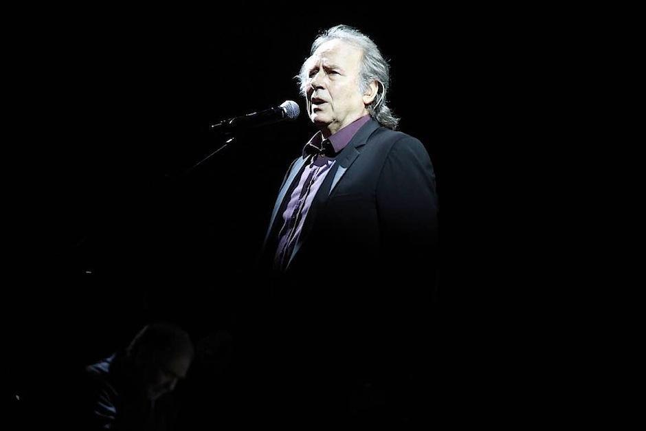 """A sus 71 años, el intérprete español recorre el mundo con su gira """"Antología desordenada"""". (Foto: Carlos Duarte/Nuestro Diario)"""