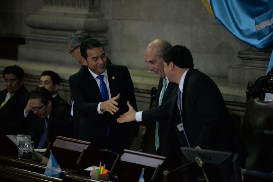 Los presidentes de los tres poderes del Estado estuvieron en el centro del hemiciclo. (Foto: Wilder López/Soy502)