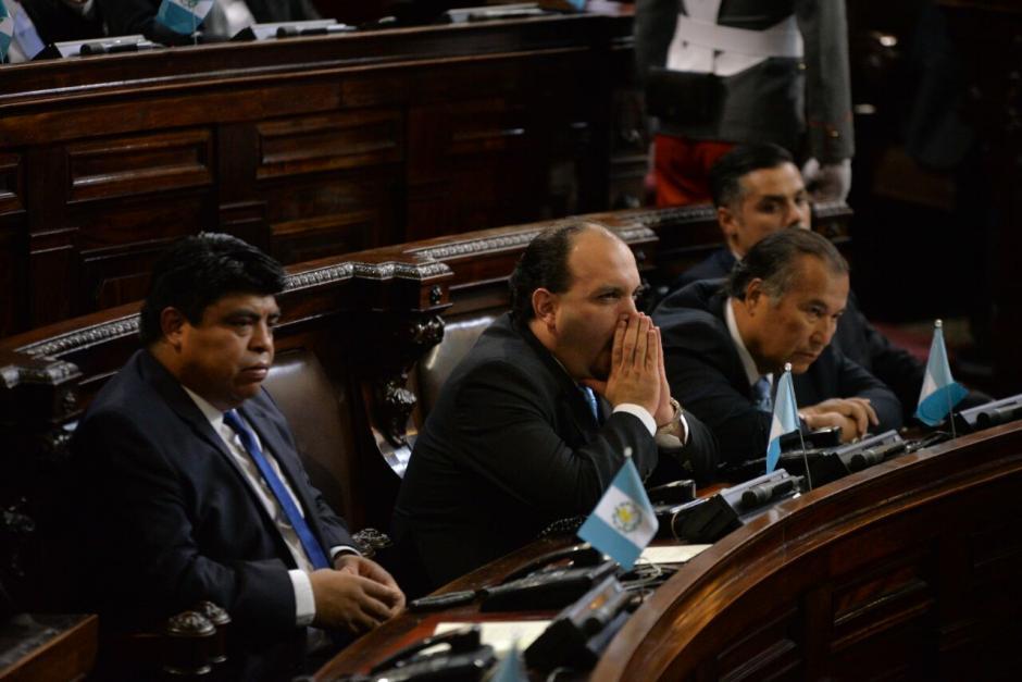 Los diputados parecían cansados de escuchar los discursos. (Foto: Wilder López/Soy502)