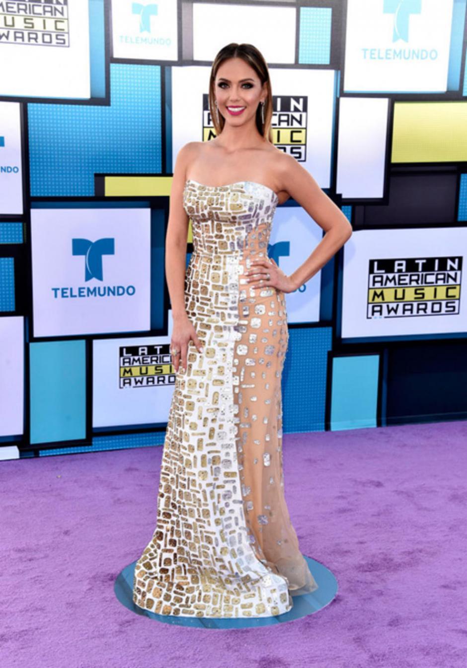 """Jessica Carrillo, presentadora de """"Don Francisco Te Invita"""". (Foto: Telemundo)"""