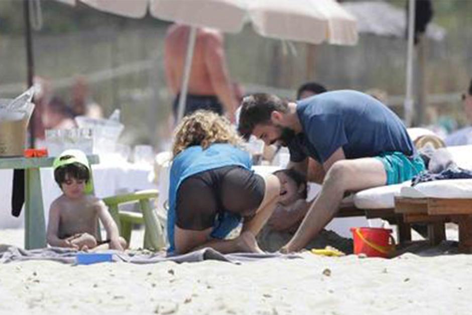 Shakira y Piqué disfrutaron a sus pequeños hijos. (Foto: Telemundo)
