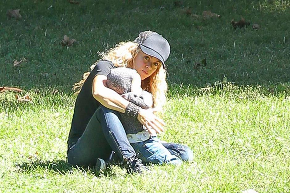 Esperamos que Shakira no se haya molestado que la siguieran los paparazzi. (Foto: Grosby Group)