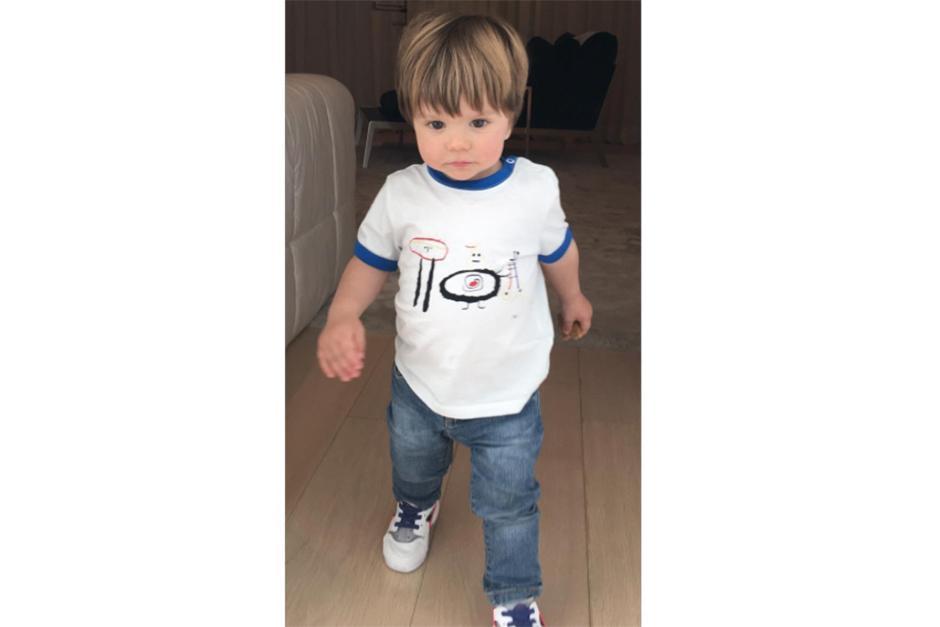 Shakira publica la imagen afirmando que su hijo menor está creciendo muy rápido. (Foto: Instaram)