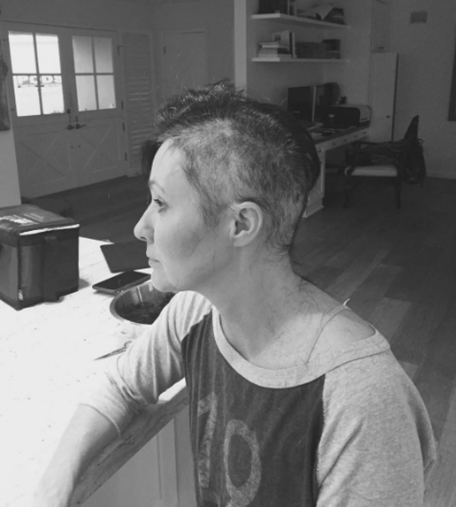 La actriz decidió quitarse el cabello como un símbolo de que la lucha estaba empezando. (Foto: Instagram/Shannen Doherty)