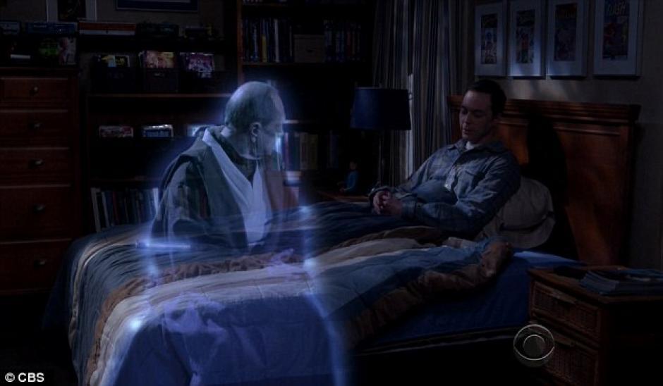El profesor Proton escucha los planes de Sheldon.(Foto: Daily Mail)