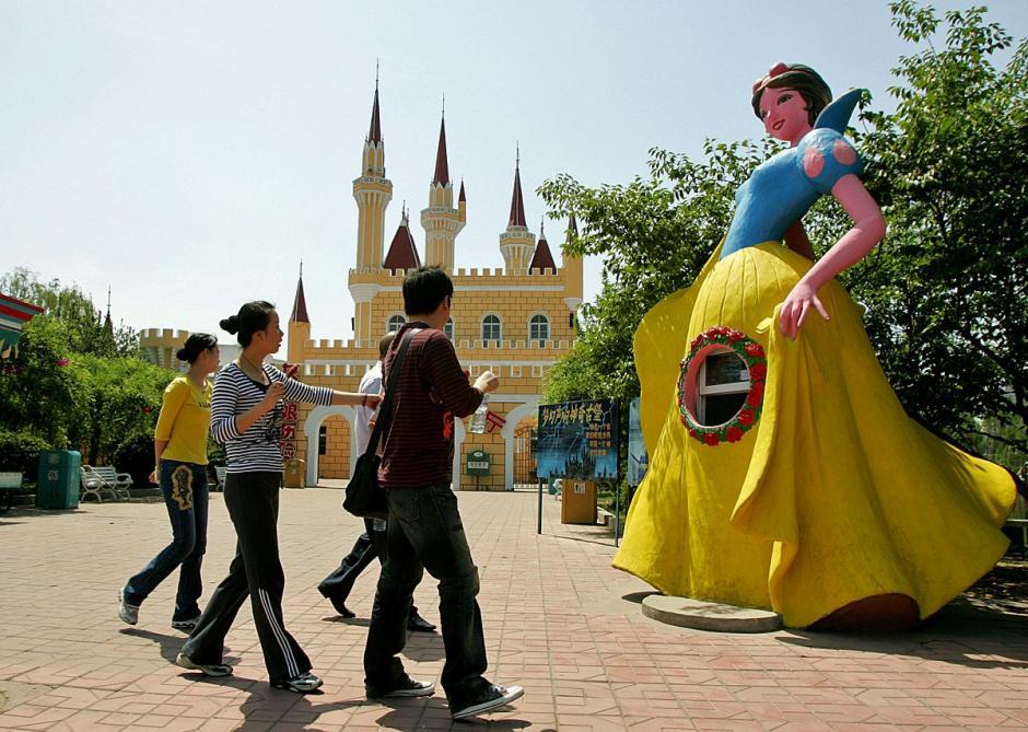 El Shijinghan Amusement Park es una imitación de otro muy famoso parque de atracciones. (Foto: businessinsider.com)