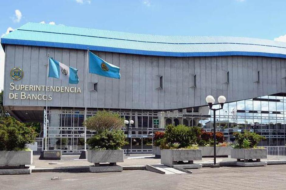 En el comunicado se estipula que este cierre sólo va a aplicar a las agencias que se encuentren en la Ciudad de Guatemala. (Foto: Archivo/Soy502)