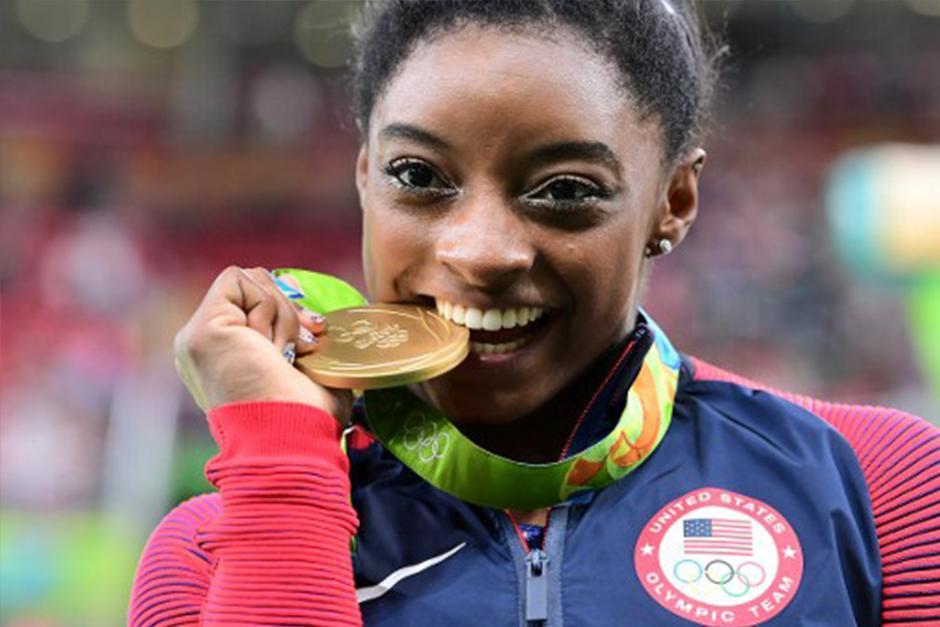 Simone Biles lleva actualmente dos medallas de oro en los Juegos Olímpicos. (Foto: AFP)