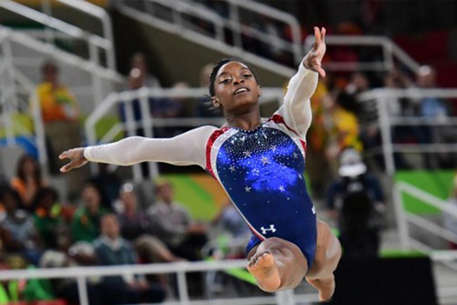 Biles ha ganado por el momento los concursos generales individual y por equipos. (Foto: AFP)