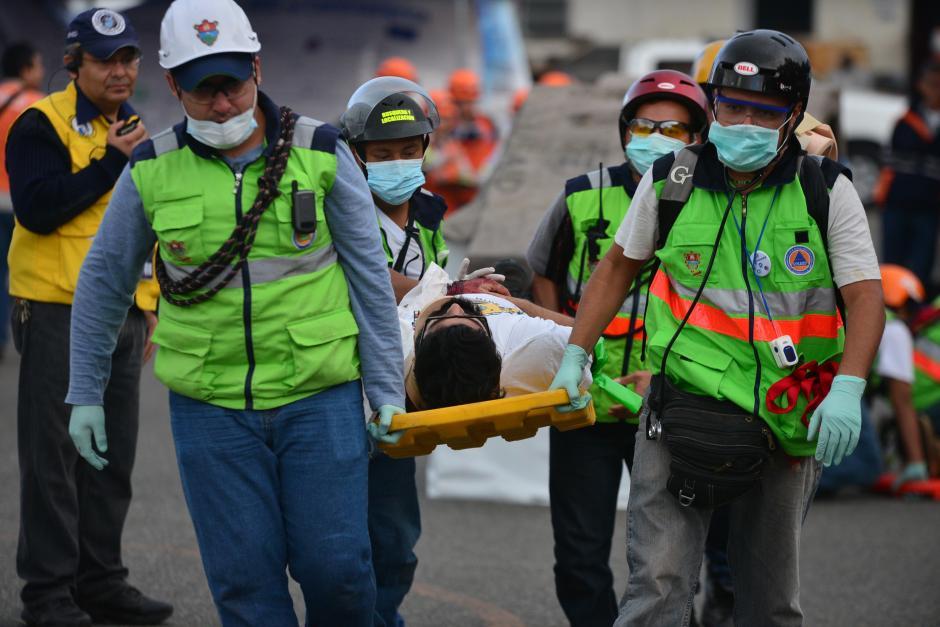 La Coordinadora Nacional para la Reducción de Desastres (Conred) realizó un simulacro de terremoto, a 40 años del aniversario de aquel fatídico día. (Foto: Wilder López/ Soy502)