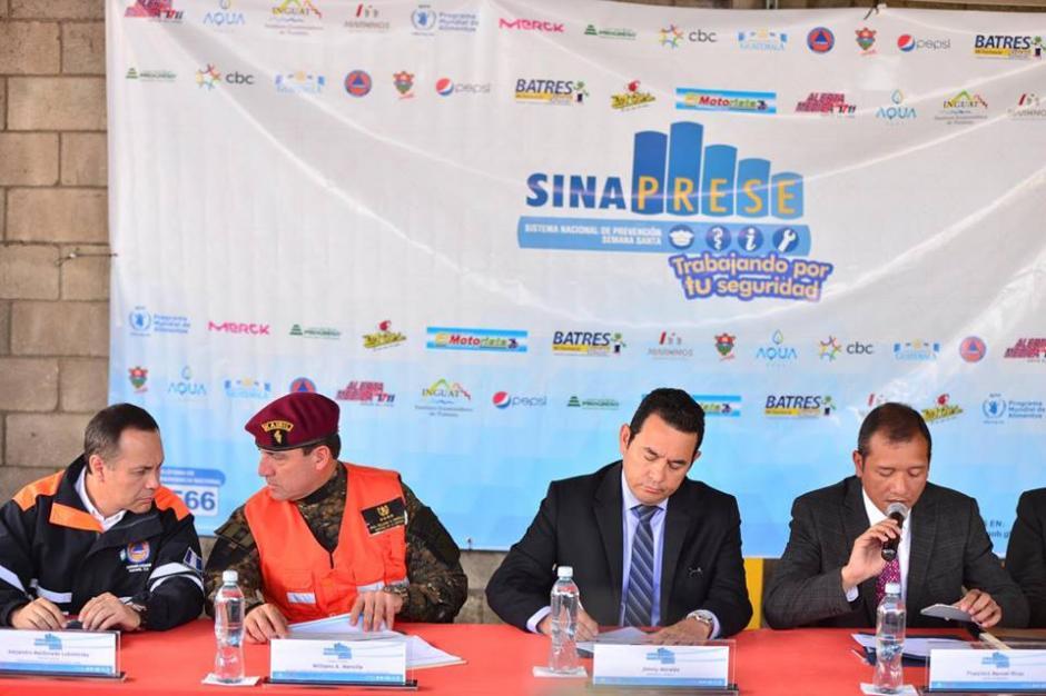 En la conferencia de prensa participaron varios Ministros de Estado. (Foto: Jesús Alfonso/Soy502)