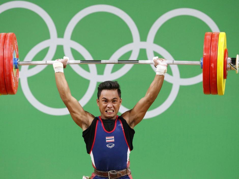 La medalla conseguida por Sinphet Kruaithong, tendrá el recuerdo más triste de su vida. (Foto: AFP)