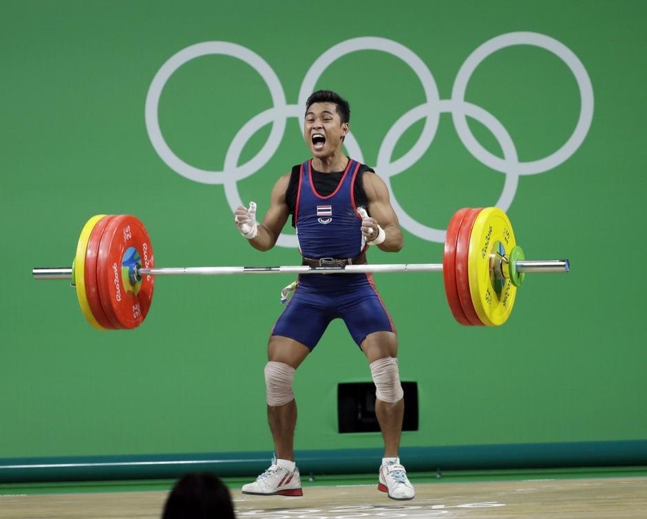 Kruaithong regresará a casa, con una medalla olímpica, pero no podrá ver con vida a su abuela. (Foto: AFP)