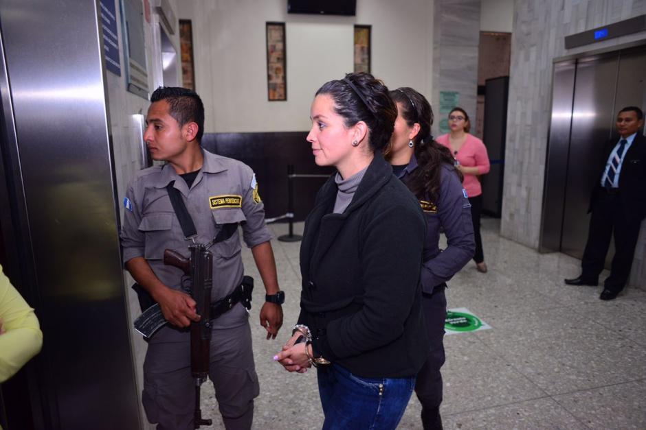 El dinero volvía a Guatemala a través de cheques de caja. (Foto: Jesús Alfonso/Soy502)