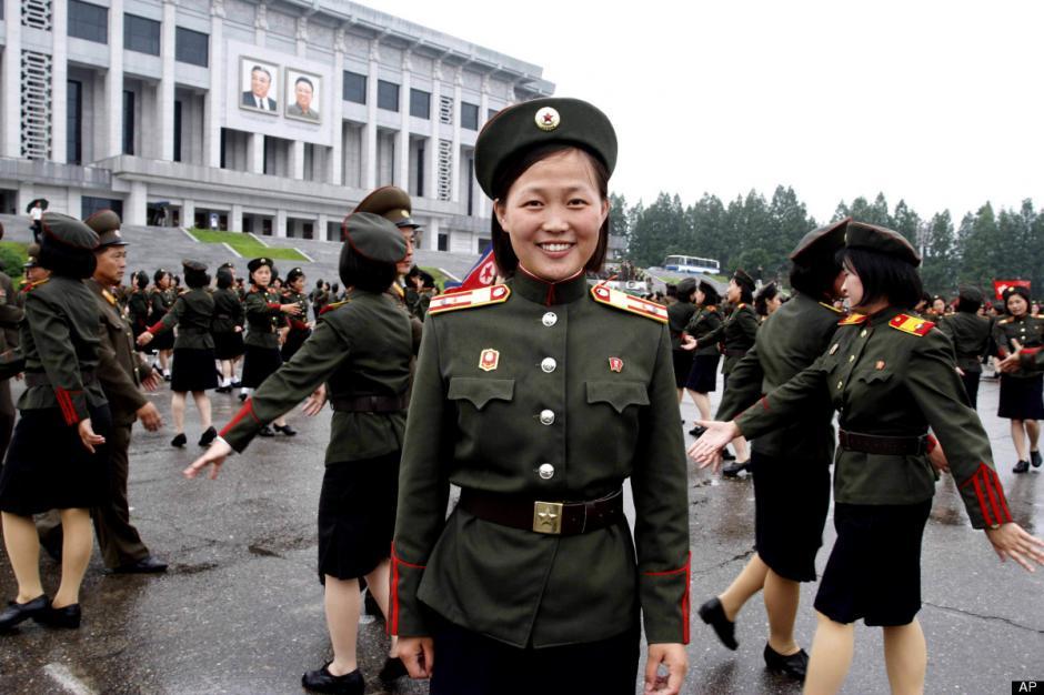 Ri Sol-jues la esposa de Kim Jong-un ellíder norcoreano. (Foto: Google)