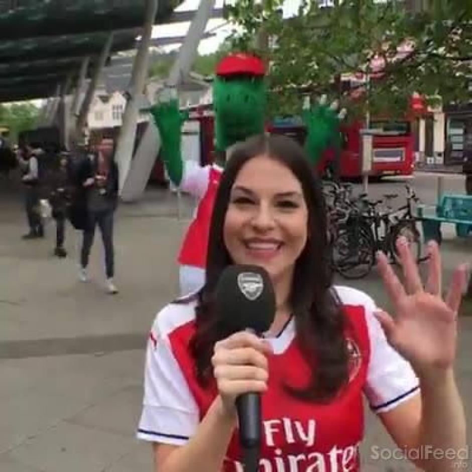 Nicole Holliday prometió desnudarse si el Arsenal es campeón. (Foto: Twitter)