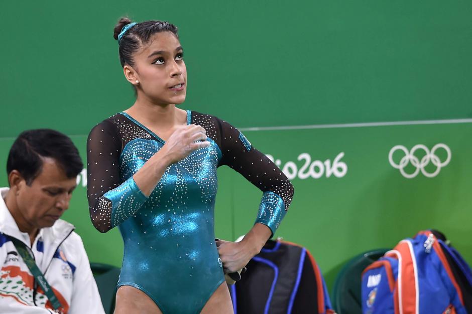 """Con cierta preocupación """"Sofi"""" veía el tablero para esperar los resultados de sus rutinas. (Foto: Sergio Muñoz/Enviado ACD)"""