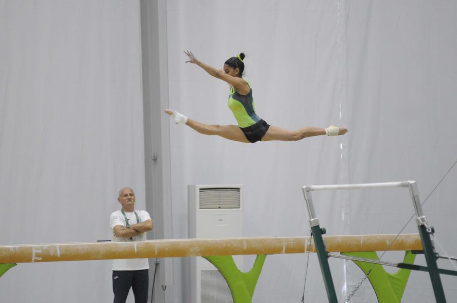 """""""Sofi"""" competirá en la prueba de """"todo evento"""", que son los cuatro aparatos de la gimnasia femenina. (Foto: Pedro Pablo Mijangos/Soy502)"""