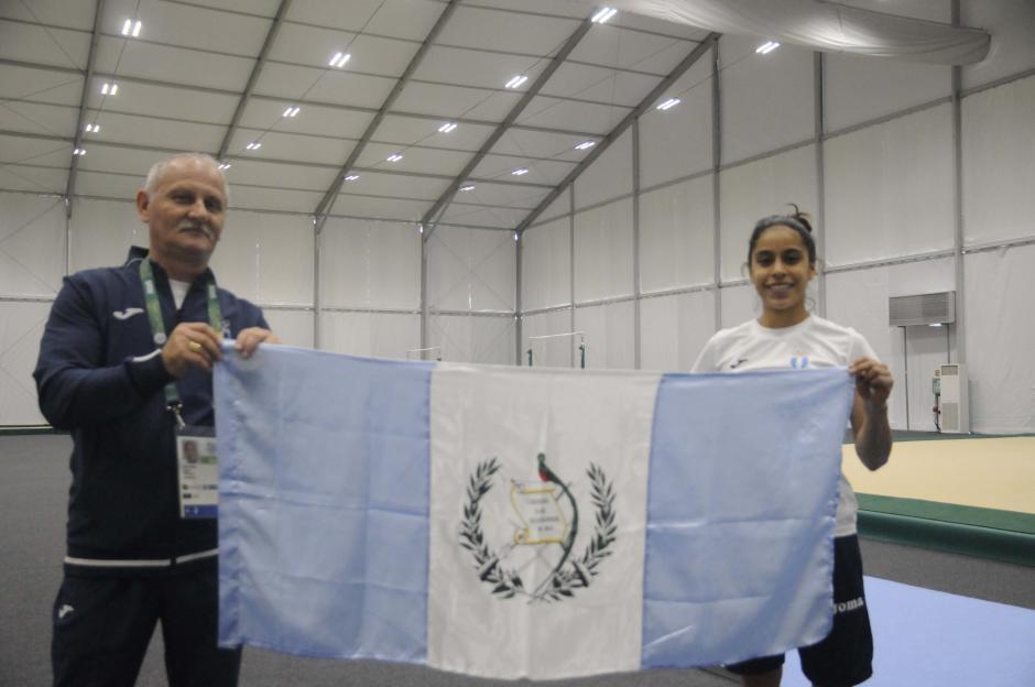 Como desde hace ocho años el rumano Adrián Boboc ha acompañado a Ana Sofía Gómez. (Foto: Pedro Pablo Mijangos/Soy502)