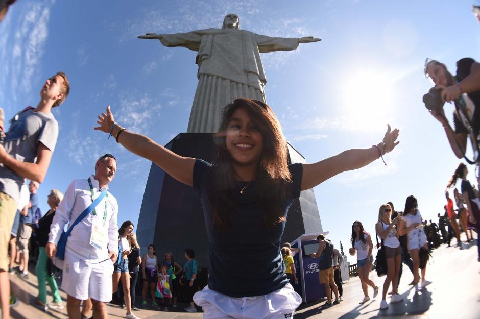 Ana Sofía Gómez aprovechó sus días libres tras competir en Río 2016 y conoció el Cristo Redentor. (Foto: Aldo Martínez/Enviado especial de Nuestro Diario)