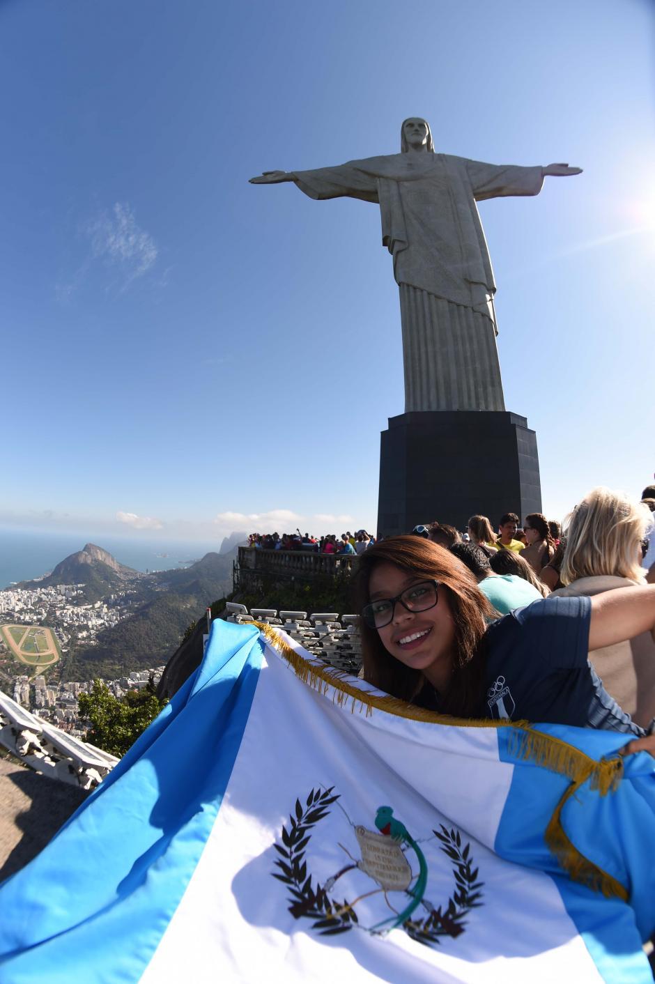 La bandera de Guatemala ondeó en lo más alto del cerro del Corcovado en Río de Janeiro. (Foto: Aldo Martínez/Enviado especial de Nuestro Diario)