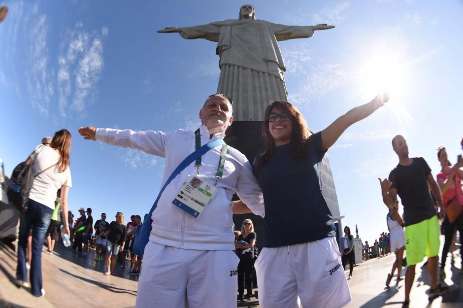 Ana Sofía subió al Cristo Redentor con su entrenador Adrián Boboc. (Foto: Aldo Martínez/Enviado especial de Nuestro Diario)